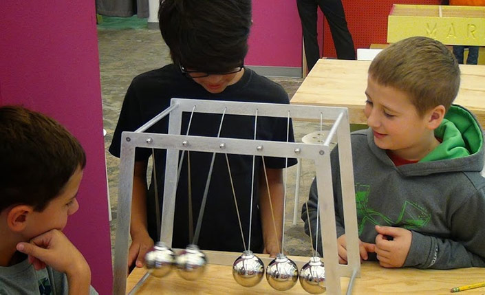 Giant Newton S Cradle A Large Newton S Cradle That Is A