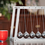 Newtons Cradle in Office
